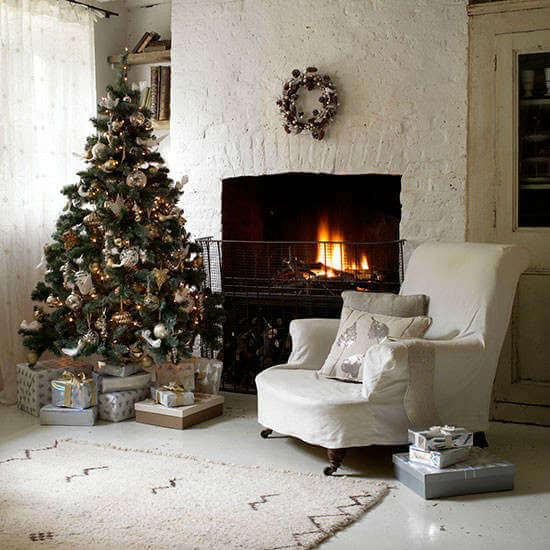 Idee per decorare la casa per natale oro found on - Idee per decorare la casa a natale ...